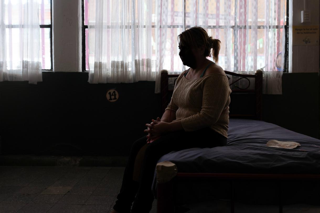 desplazadas-vih-arriesgan-vida-viajando-mexico-para-medicamento-body-image-1476122864